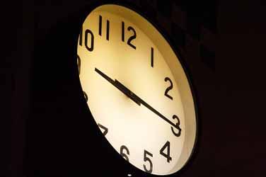clock_080303.jpg