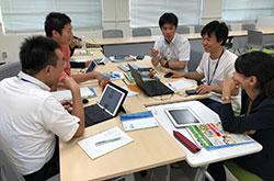 大学院生と現職教員が研修で協働