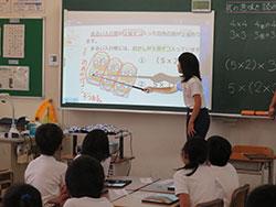 全小中学校の全普通教室に提示環境を整備(古知野北小)