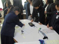 11月30日の岡山大会では、5年生の公開授業「かしこい消費者になろう」に多数の教育関係者が参集した