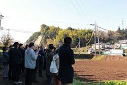益城町震災プログラムで、断層見学へ