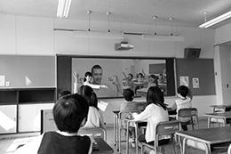 1台で遠隔授業に必要な2画面を提示できる