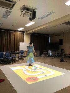 「ICT×インクルーシブ教育」にはフロアプロジェクションシステムや電子黒板、テーブル型電子黒板がある