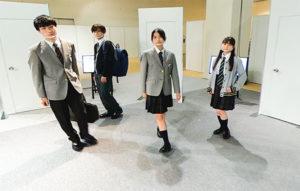 新モデルの制服をファッションショー形式の動画で紹介